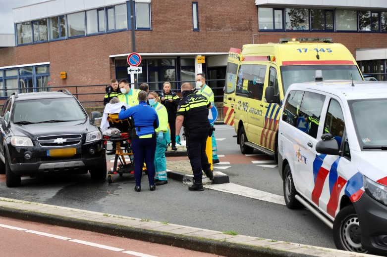 Fietser gewond na ongeluk Industrieweg