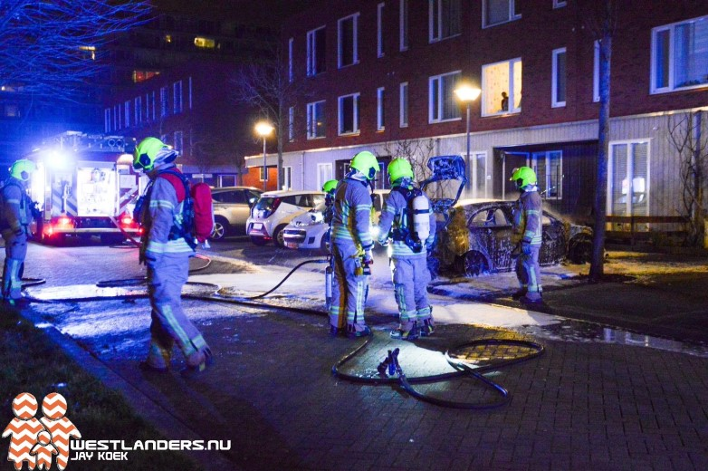 Mercedes uitgebrand in Maassluis