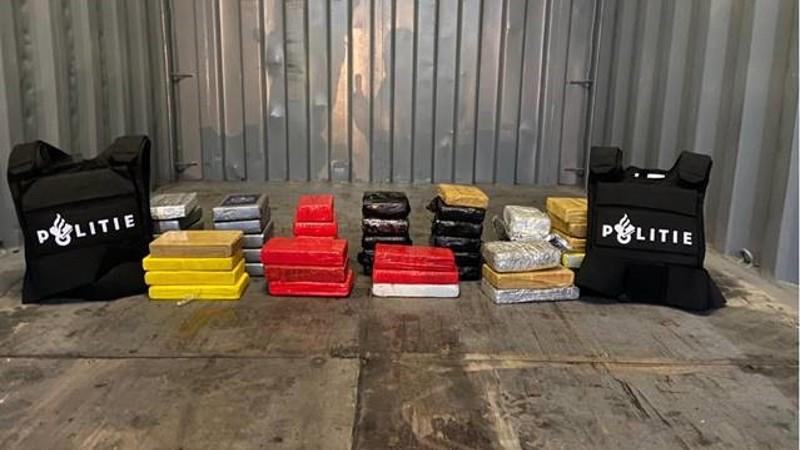 Pakketjes cocaïne aangetroffen in de Botlek