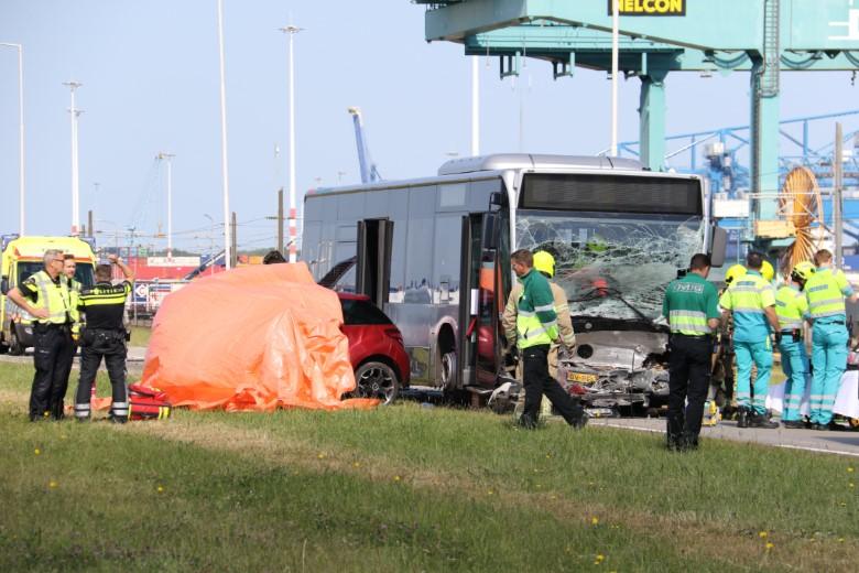 Dode bij ernstig ongeval in Pernis