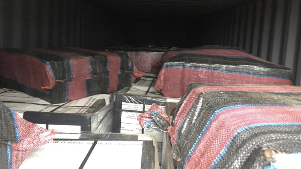 Douane onderschept 493 kilo cocaïne tussen blikken tonijn