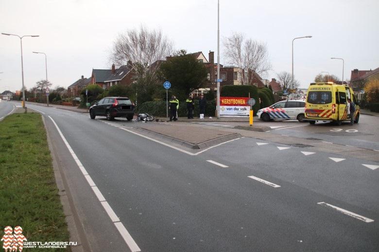 Scooterrijdster gewond bij ongeluk Emmastraat