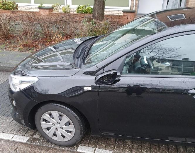 Automobilist rijdt door na aanrijding