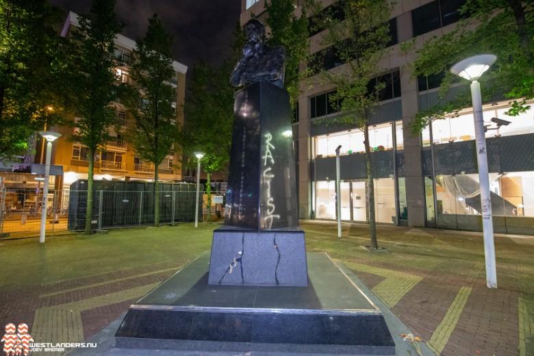 Monument voor Pim Fortuyn beklad