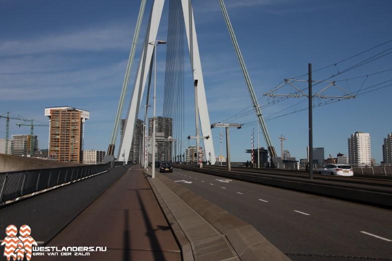 Erasmusbrug beperkt open voor scheepvaart na ongeluk
