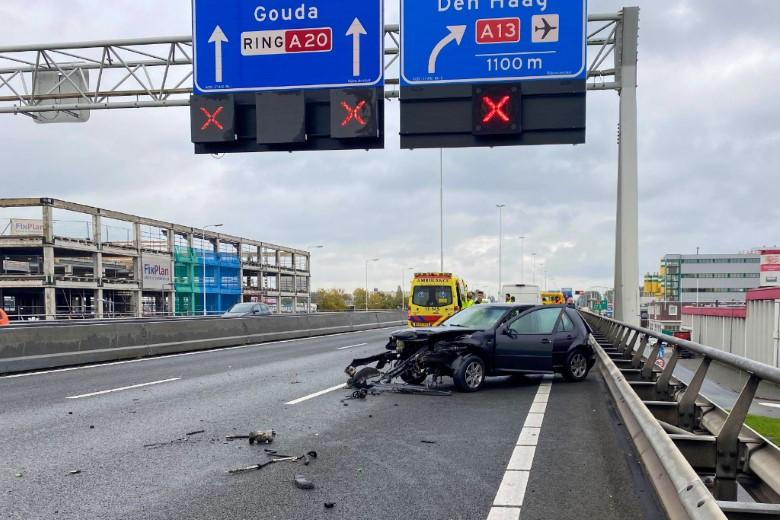 Snelweg A20 afgesloten na ongeval