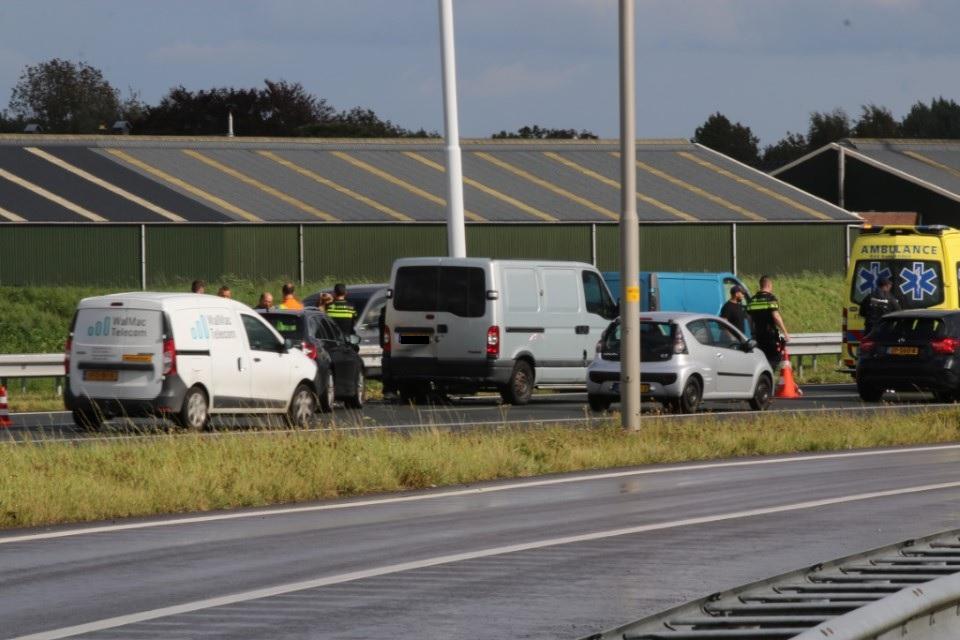 Flinke schade na aanrijding op de A4