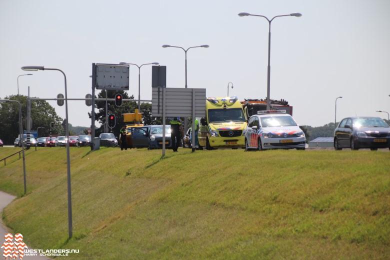 Licht gewonde bij ongeluk Maasdijk (N220)
