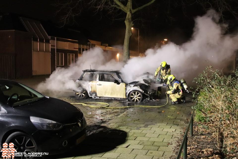Voertuigbrand aan het Liesveld