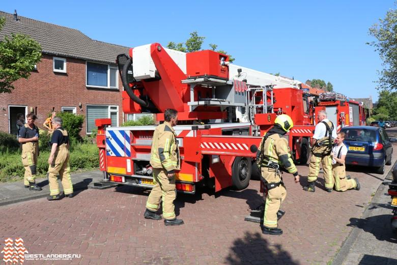 Brandweer redt Guus van het dak