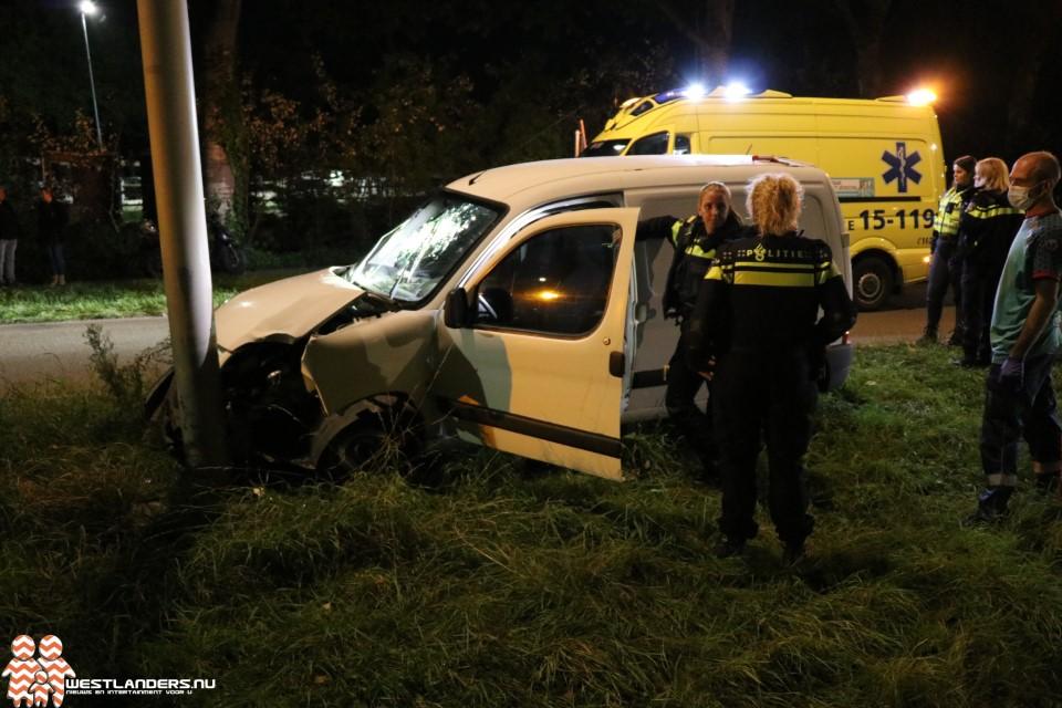 Bestuurder gewond na ongeluk Poeldijkseweg