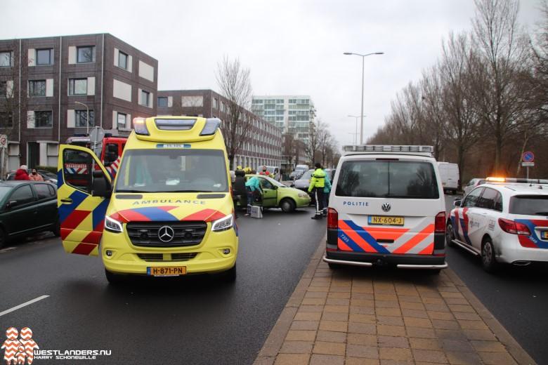 Automobilist gewond bij ongeluk Erasmusweg