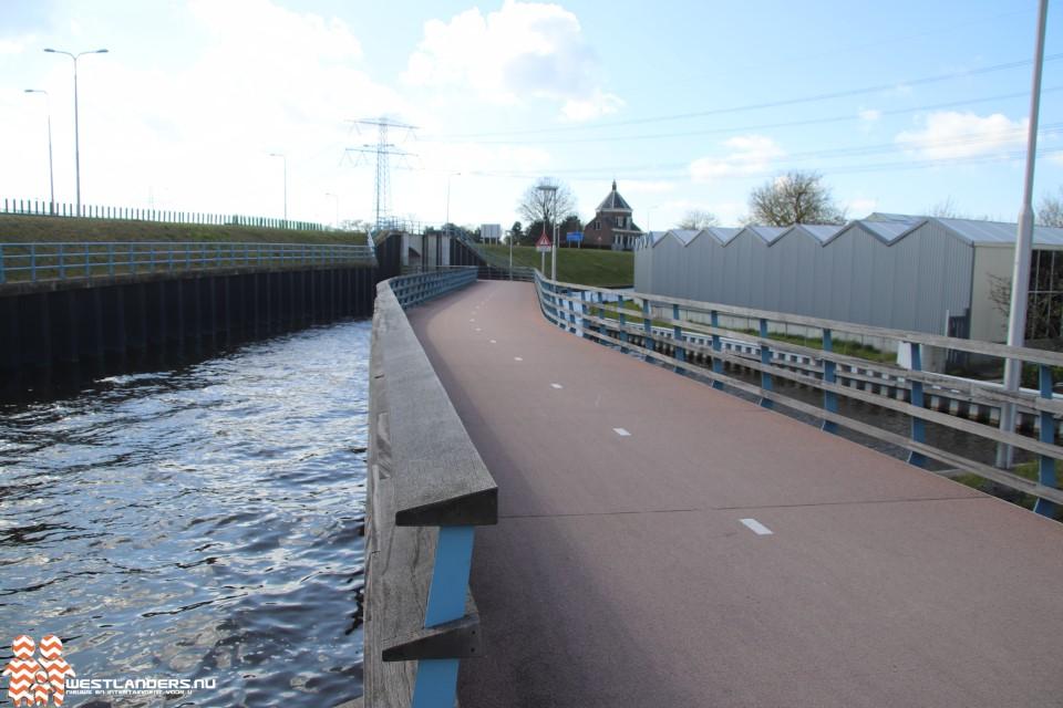 Veel valpartijen bij brug voor fietstunnel Maasdijk