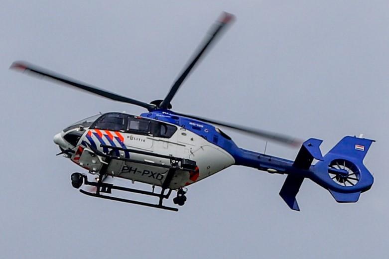 Zoektocht met politiehelikopter bij Wipperskade