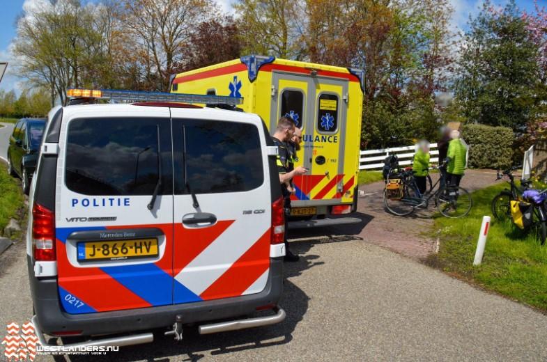 Automobilist(e) rijdt door na ongeluk Maassluiseweg