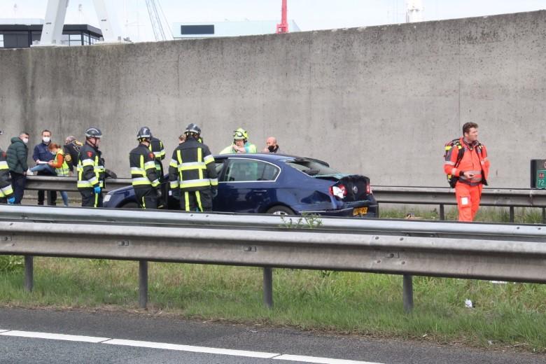 Middel hulpverlening na ongeluk bij Beneluxtunnel