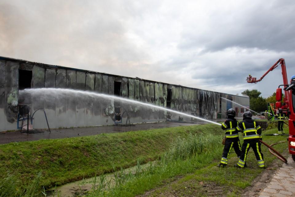 Zeer grote brand bij tuinbouwbedrijf Vierpolders