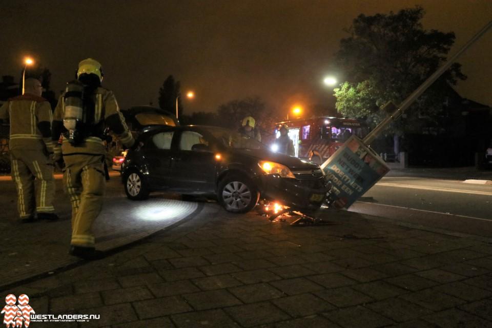 Inzittenden gevlucht na crash met auto