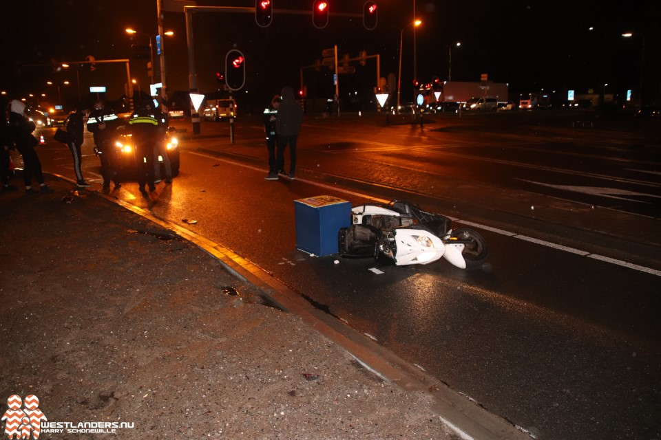 Pizzakoerier gewond bij ongeluk Nieuweweg