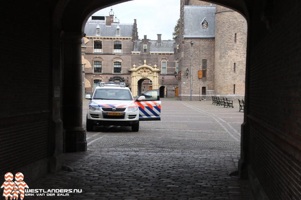 Man aangehouden na bommelding Binnenhof