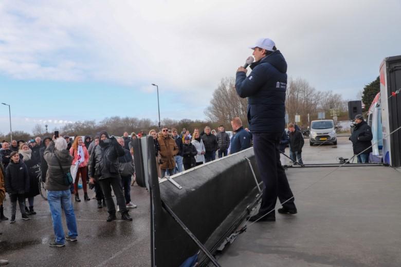 Thierry Baudet voert campagne in Hoek van Holland