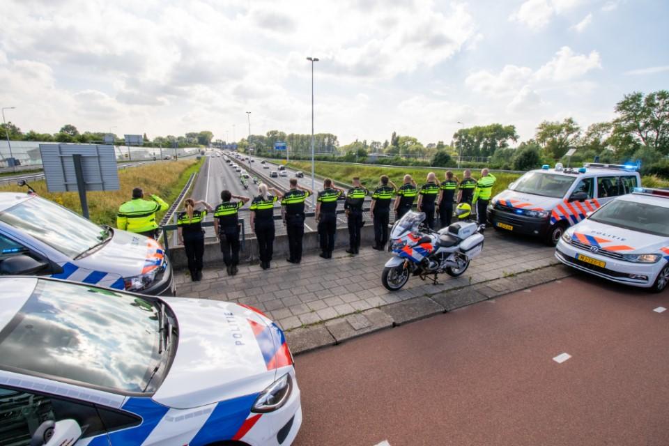 Rouwstoet politie door Westland en Rotterdam