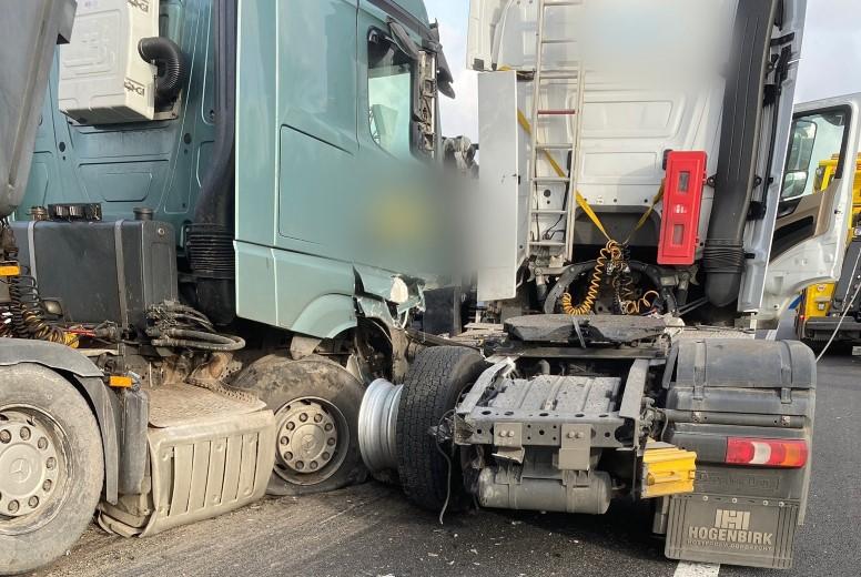 Automobiliste licht gewond bij ongeluk A15