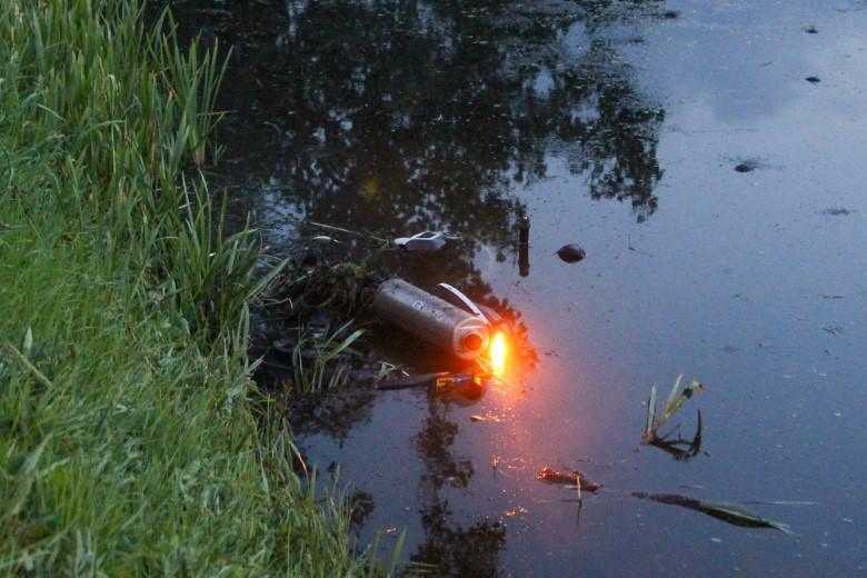 Motorrijder te water na uitwijkmanoeuvre
