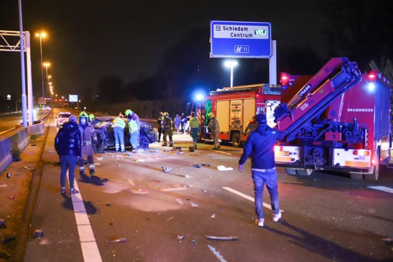 Dode bij zwaar ongeluk A20