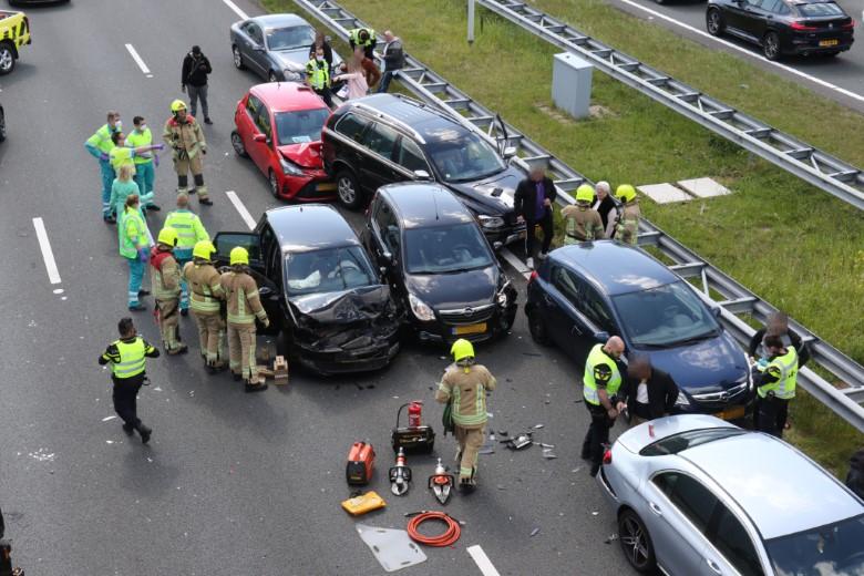 Twee gewonden bij ongeluk op A4