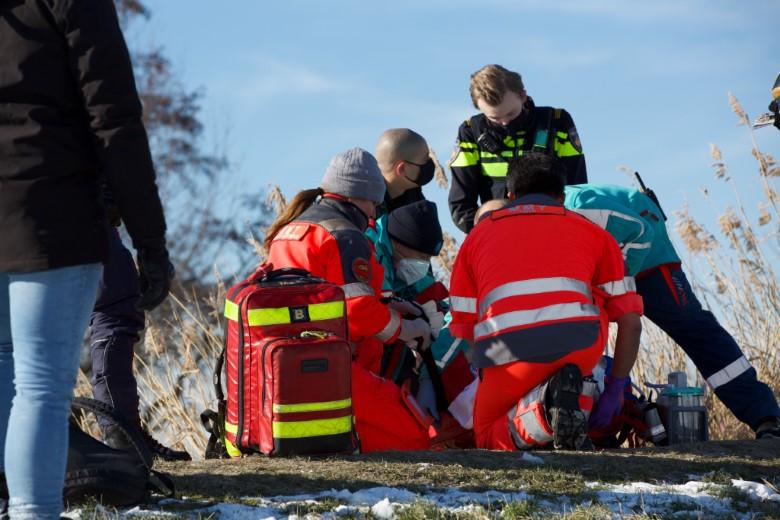Schaatser zwaar gewond na frontale botsing