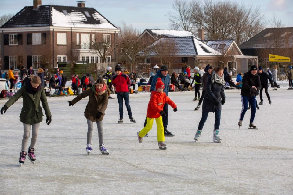 Schaatsplezier bij ijsclub Vlietland in Schipluiden