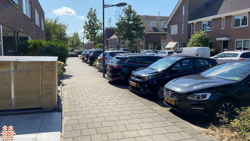 Tiental auto 's bekrast in Naaldwijk