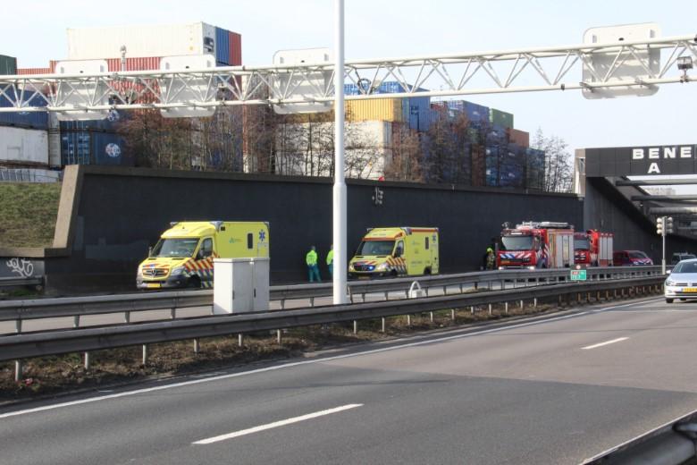 Meerdere voertuigen betrokken bij ongeluk Beneluxtunnel
