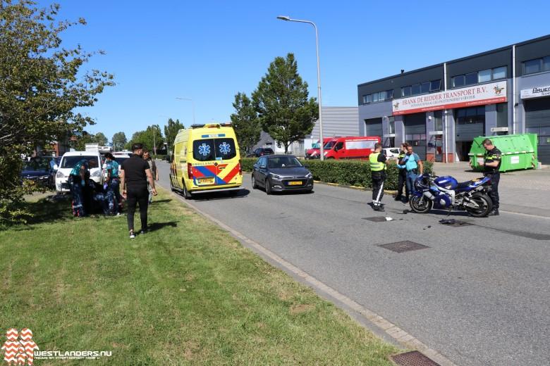 Motorrijder slaat over de kop