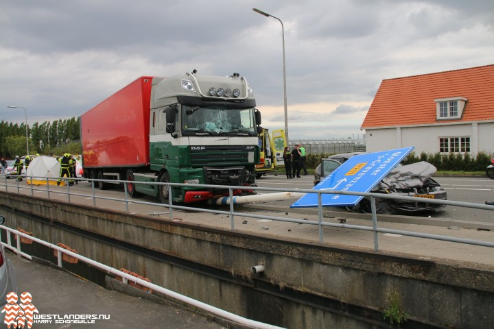 Dode bij zwaar ongeluk Nieuweweg