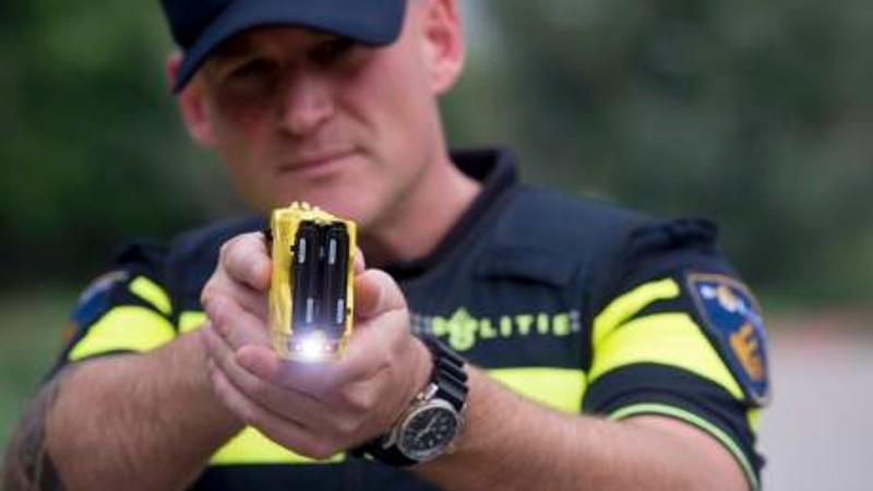 € 30 miljoen voor stroomstootwapen politie