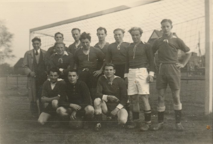 Foto van onbekende Heulse voetballers