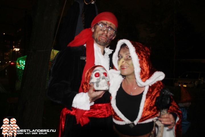 Tradities Halloween.Speeltuin Oranjelaan In Den Hoorn Omgetoverd Tot Horror Dorp