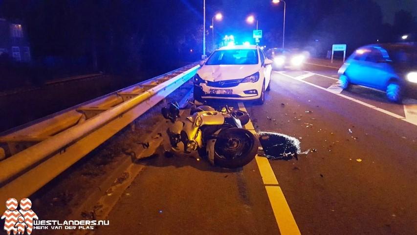 Motorrijder licht gewond bij ongeluk Nieuweweg