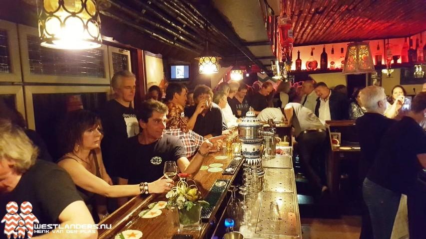 Afgeladen reunie hardrock café De Wip