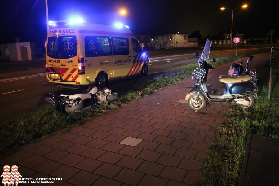 Gewonde bij frontale scooterbotsing Nieuweweg