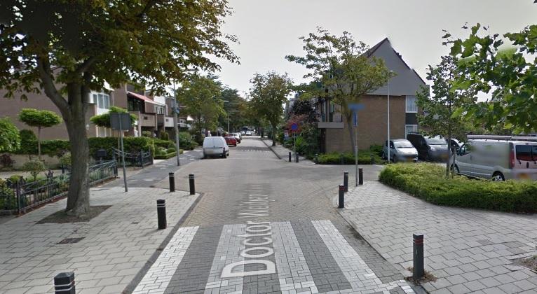 Automobilist gezocht na ongeluk Doctor Weitjenslaan