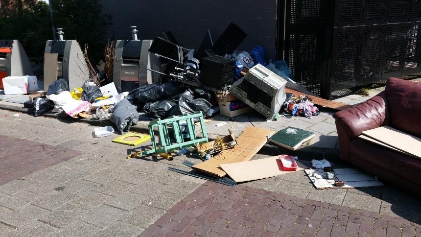 Dumpers van huisvuil bij Esdoorn niet bekend