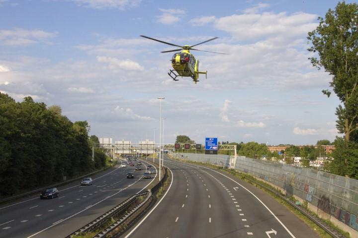 Ernstige verkeershinder door twee ongelukken op A13 en A20