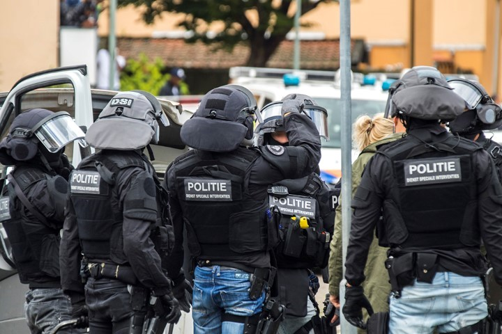 Verwarde 22 jarige man aangehouden in de Telexstraat