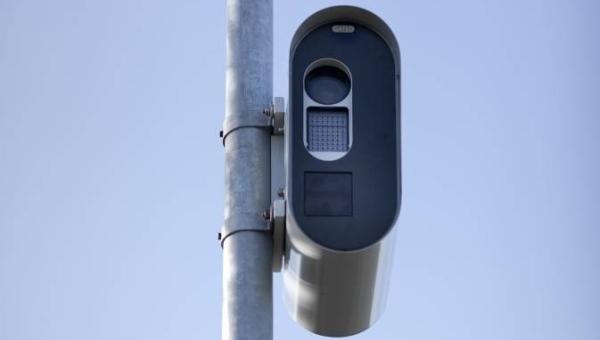 Nieuwe digitale flitspalen gaan aan in Maasdijk, Wassenaar en Voorburg