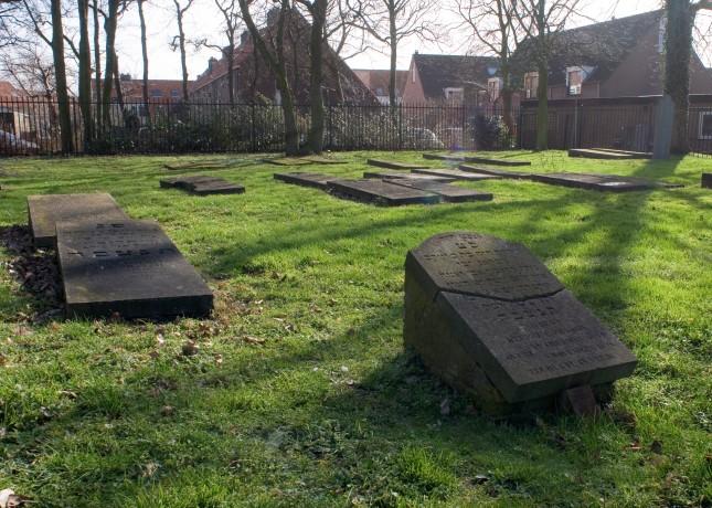 Fondsenwerving voor restauratie Joodse begraafplaats gestart