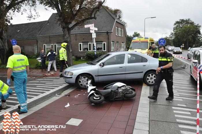 Scooterrijder aangereden op kruising Middel Broekweg/Zwethlaan
