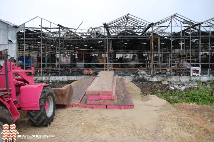 Schade na grote brand bij tuinbouwbedrijf valt mee